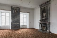 DSC_1168 (malepieski) Tags: abandoned forgotten palace opuszczony zapomniany pałac prl polish peoples republic style homo sovieticus stylish carpet nikon d7100 nikkor 18105mm