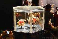Christian V's (1671) and Queen's Crown (1731) (Bri_J) Tags: rosenborgcastle rosenborgslot kongenshave copenhagen denmark københavn danmark castle palace nikon d7500 museum christianv queen'scrown crown danishcrownjewels crownjewels gold treasury