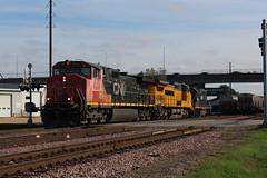 CN 2511 (CC 8039) Tags: cn gecx ic cc trains c449lw c408w gp40 dubuque iowa