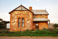 Ghost Town Cottage | Hammond (Daniel Tindale) Tags: cottage house stone brick afternoon evening winter landscape cloudscape tint lonely abandoned derelict decayed ruin heritage history ghost town rural pastoral farm farming farmland country countryside rustic australian native wistow bugle ranges bugleranges flinders flinderranges roadside goyder goyder's line adelaide south australia southaustralia sa daniel tindale danieltindale pentax k20d outdoor hammond wilmington main street road red iron galvo rust