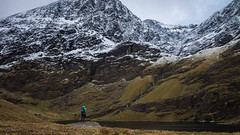 MacGillycuddy's Reeks (pepsamu) Tags: kerry ciarraí mountains snow mountain reek nature lake water agua lago loch lough ireland eire irlanda green winter 2017 canon landscape views panorama range cordillera