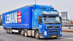 AG88126 (17.03.31, Østhavnsvej, Oliehavnsvej)DSC_4142_Balancer (Lav Ulv) Tags: 224459 budtransporten volvo volvofm fm410 blue 2010 e5 euro5 6x2 portofaarhus leman curtainside planentrailer gardintrailer kronetrailer østhavnsvej afmeldt2017 retiredin2017 abgemeldet2017 drivercarsten truck truckphoto truckspotter traffic trafik verkehr cabover street road strasse vej commercialvehicles erhvervskøretøjer danmark denmark dänemark danishhauliers danskefirmaer danskevognmænd vehicle køretøj aarhus lkw lastbil lastvogn camion vehicule coe danemark danimarca lorry autocarra danoise vrachtwagen trækker hauler zugmaschine tractorunit tractor artic articulated semi sattelzug auflieger trailer sattelschlepper vogntog oplegger sættevogn