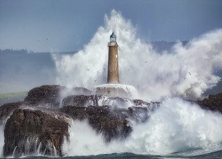 Wild sea vs Lighthouse
