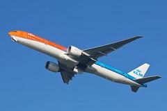 Boeing 777 PH-BVA KLM (Jarco Hage) Tags: byjarcohage aviation eham ams amsterdam netherlands nederland airplane aircraft airport vliegtuig civiel transport boeing 777 phbva klm