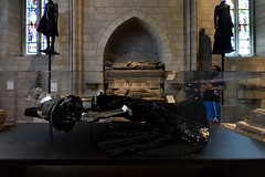 On a Quiet Day (Eddie C3) Tags: metropolitanmuseumofart cloistersmuseumandgardens gothicchapel thecloisters heavenlybodiesfashionandthecatholicimagination