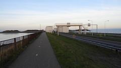 DSCN8797 (DutchRoadMovies) Tags: stevinsluizen afsluitdijk den oever a7 rijksweg ijsselmeer waddenzee bridge lake freeway motorway water sea locks