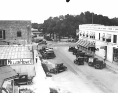 Munn Park and Tennessee Avenue (lakelandlibrary) Tags: automobiles streets commercial district munn park