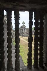 Balustre de pierre sculptée d'Angkor Vat (voyagesphotos) Tags: asia asie cambodge cambodia angkor vat siemreap temple hindu hinduism hindou hindouïsme architecture building bâtiment