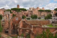 Rome / Caesar's Forum / Trajan's Market (Pantchoa) Tags: rome italie ruines romaines nuages pins forum césar marché trajan marchédetrajan forumdecésar antique pierres vieillespierres