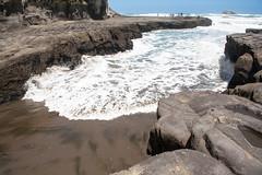 Muriwai Beach (simonmgc) Tags: beach muriwaibeach muriwaigannetcolony surf tide waves