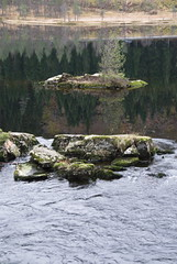 Liten holme -|- Little isle (erlingsi) Tags: holme reflection spegling bekkjevatn sunnfjord nature