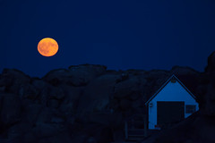 Cape Neddick Full Moon (arlene sopranzetti) Tags: cape neddick nubble light full moon york maine twilight
