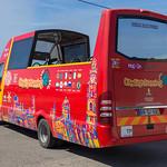 Roter Cabrio Besichtigungsbus ohne Dach thumbnail