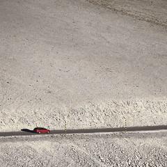 Trois autres regards en carré sur le mont Ventoux I/III : lieux de passage... (stephane.desire) Tags: montagne montventoux soir paysage route lumière carré voiture piquet roche