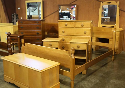 5 piece Maple bedroom set ($336)