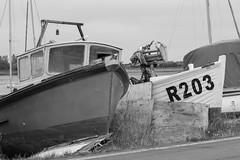 R203 (FryFotos) Tags: wreck number mast