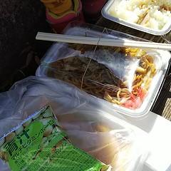 焼きそば、おこわ、きな粉餅#昼食 #緑区民まつり (inuichiro_log) Tags: ifttt instagram