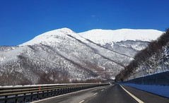 Autostrada A24 presso Corvaro (Eternally Forgotten) Tags: lazio italy italia italien italian province rieti borderland abruzzo apennines mountains nature highway crystalline sky skies hills hilly crest peak snowy snow white capped horizon distant land landscape environment simple beautiful charming nobody silent silence noone serenity carefree birthday sadness journey travel tourism trip discovery voyage adventure exploring hiking wandering magic spell enchanting memories recollections reminiscence lovely dreams melancholy yearning nostalgia