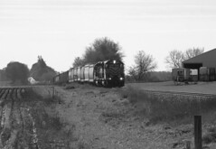 Rolling over the hog backs (Rich Peters- foosqust) Tags: wsor ripon l595