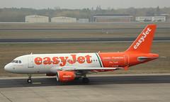 EasyJet, G-EZIW, MSN 2578, Airbus A 319-111, 04.11.2018,  TXL-EDDT, Berlin-Tegel (Named: Linate Fiumicino Per Tutti) (henryk.konrad) Tags: easyjet geziw msn2578 airbus a319 a319111 txleddt berlintegel henrykkonrad linatefiumicino