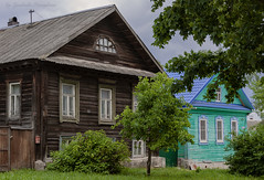 Houses of the provincial city (Lyutik966) Tags: house building architecture window roof door texture structure ostashkov street city provinces russia tree grass