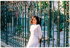20181008-000062 (jamessybui) Tags: leica m3 elmar 50mm hanoi potrait film ektar 100 kodak vietnam woman m fall summer aodai