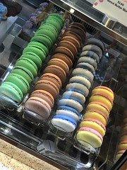 IMG_5939 (lorablong) Tags: yummy dessert vanollepes macaroon mickeymouse disneycruiseline dcl disney dream disneycruise disneydream cruise october2018