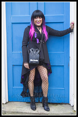 IMG_0315-7 (Scotchjohnnie) Tags: whitbygothweekendoctober2018 whitbygothweekend wgw wgw2018 whitby yorkshire northyorkshire goth gothic costume streetphotography portrait people female canon canoneos canon7dmkii canonef24105mmf4lisusm scotchjohnnie