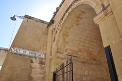 Malta, Vittoriosa / Birgu (claudia.schillinger) Tags: bastion birgu malta vittoriosa citywall gate provence island fortress arch