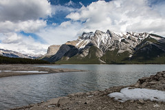 Mountains and Lake (Serthra) Tags: ab canada ca canon5dmark4 lake lakeside mountains mountainside rockymountains banff clouds landscape spring weather beautiful nature cloudy snow snowy cloudscape outdoor mountain springtime