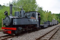 Heinschel Brigadelok No.1091 with the WD Ambulance Wagon & open bogie wagons. Tracks to the Trenches, Apedale Railway. 13 07 2018 (pnb511) Tags: narrow gauge 2footgauge trackstothetrenches ww1 apedalelightrailway narrowgauge staffordshire trains locomotive railway steam engine
