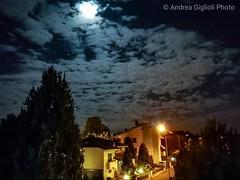 Moon (Andrea Giglioli) Tags: nuvole clouds night moon luna notte serenità huaweip10 huawei 2018 reggioemilia reggio italy italia