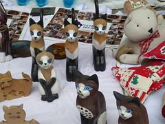 Cats and more cats (seikinsou) Tags: brussels belgium spring summer braderie fleamarket streetmarket schaerbeek chasseursardennais cat statue picture