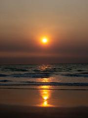 10003461.jpg (KevinAirs) Tags: surf waves sand kevinairs ocean sunset travel westernaustralia ©kevinairswwwkaozcomau reflections sky landscape landscapes beach australia sea