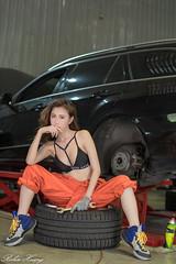 DSC_8604 (Robin Huang 35) Tags: 黃艾比 abbie 修車廠 泳裝 比基尼 bikini 修車服 人像 portrait lady girl nikon d850 車 car
