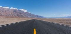Death Valley Road (VoLGio) Tags: deathvalley nationalpark deathvalleynationalpark parquenacional valledelamuerte valle valley california usa us eeuu estadosunidos unitedstates landscape paisaje road carretera basin badwater sonynex6 sony1650 nex6 1550