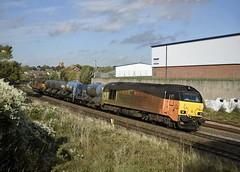 67027 tnt 67023 3J92 Toton - West Hampstead passes Wellingborough 11.10.2018 (pokeyphoto) Tags: class67 skips 67023 67027 stella charlotte wellingborough rhtt railheadtreatmenttrain