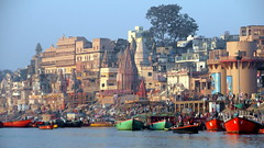 many colors of varanasi (2) (kexi) Tags: reen red blue varanasi colors benares india asia panorama view water river ganga ganges city famous ancient many boats samsung wb690 february 2017 instantfave skyline happyplanet asiafavorites