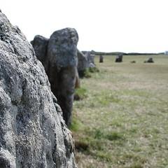 Dolmens et Menhirs (TarValanion) Tags: bretagne finistère roche pierre menhir alignement megalithes alignementsdelagatjar
