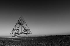 Spaceland (Robin Kelderman) Tags: industrie industriekultur bottrop tetraeder triangular triangle space moonlanding