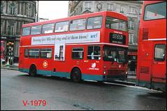 M525 (GYE 525W) ((Stop) The Clocks) Tags: mcw mcwmetrobus london gye525w m525 trafalgarsquare leasidebuses londonbuses lbl