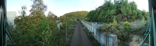 Панорама с железнодорожного моста с видом на замок Platamon