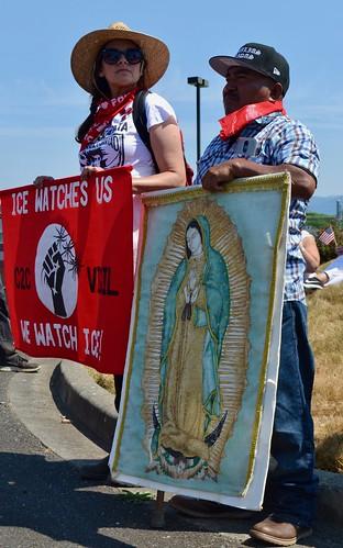 Familias Unidas & Community to Community at Border Patrol Station