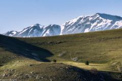 Prati d'alta quota (SDB79) Tags: montagna abruzzo paesaggio prati rocca calascio