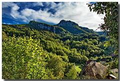 La Roche de Hautepierre - mouthier haute-pierre / Doubs (jamesreed68) Tags: mouthierhautepierre doubs franchecomté loue vallée paysage nature roche montagne