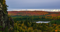 Autumn on Oberg Mountain (Paul Domsten) Tags: obergmountain lakesuperior fall autumn minnesota mountain pentax lake red yellow green orange northshore