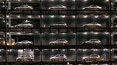 Autoausstellung bei Nacht (Bernd Götz) Tags: münchennachtaufnahmendonnersbergerbrückemercedes münchen nacht