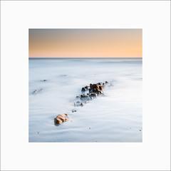 Penhors #1 (Guillaume et Anne) Tags: penmarch plovan penhors finistère france bretagne plage beach coucherdesoleil sunset canon 6d 24105f4lis 24105 24105f4 filtre filters leefilters lee gnd09 gnd03 big stopper poselongue longexposure