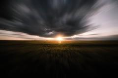Vértigo (franlaserna) Tags: field sunrise sun nikon sky clouds photographer photography naturephotography nature zooming zoom