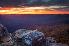 Warm Glow || BLUE MOUNTAINS || AUSTRALIA (rhyspope) Tags: australia aussie nsw new south wales newsouthwales canon 5d mkii blue mountains bluemountains rhys pope rhyspope sunrise jamison valley view vista lookout sky clouds color colour nature amazing travel katoomba narrowneck narrow neck plateau mount mt solitary orange yellow red rocks